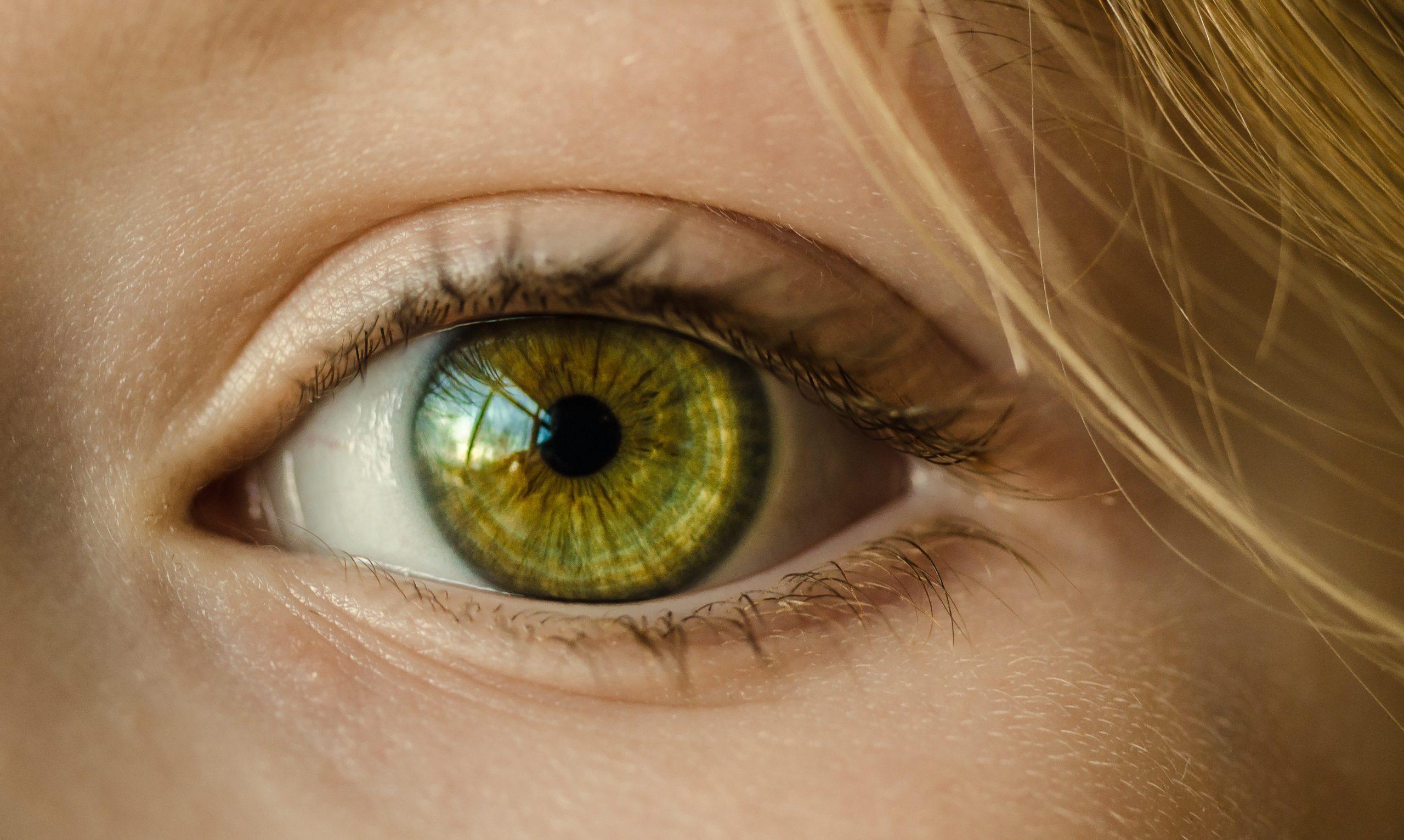 De voor- en nadelen van een ooglidcorrectie