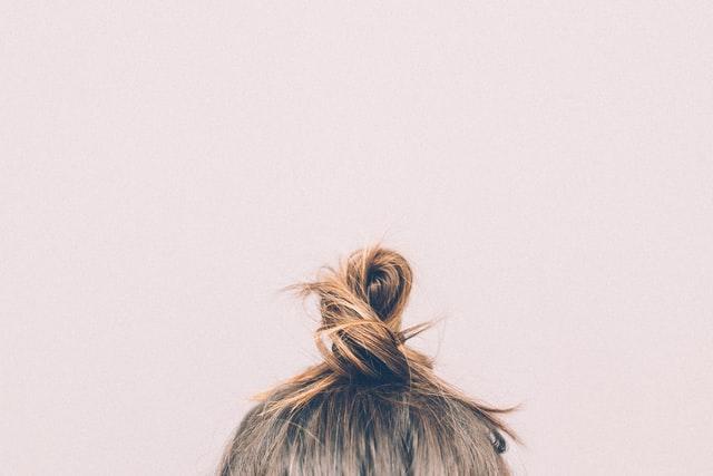 5 dingen die je moet vermijden als je een gevoelige hoofdhuid hebt